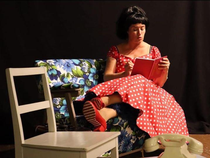 Laila Kinnusta näyttelee tyttärensä Milana Misic